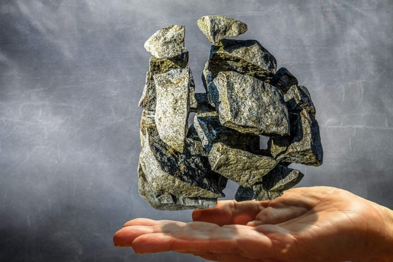 kamien na dłoni